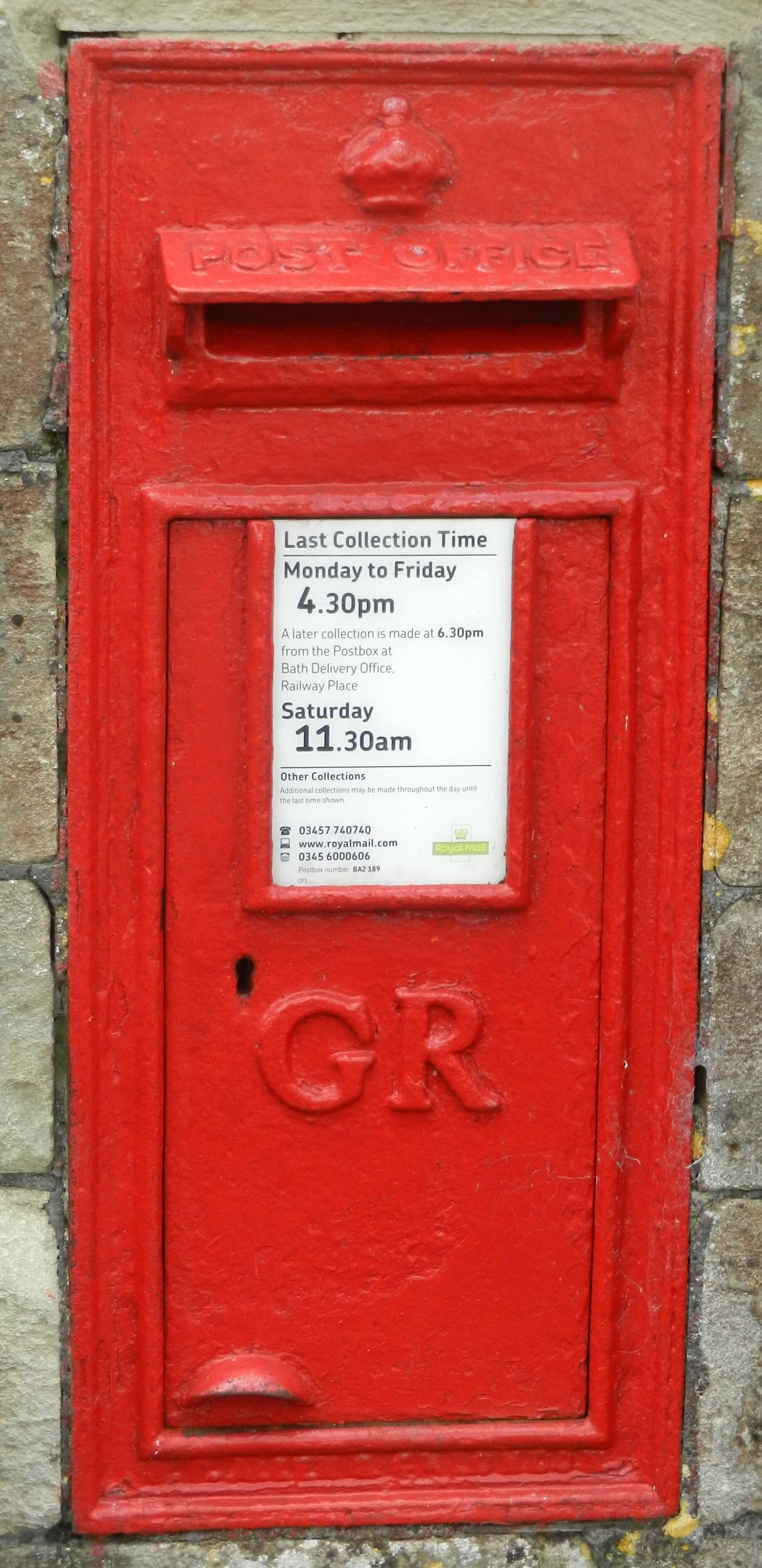 1911 Post box at the end of The Avenue