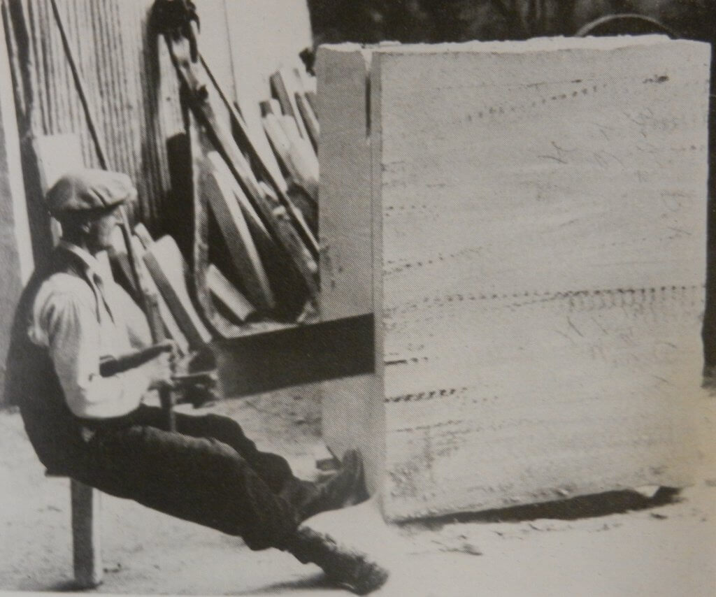 Cutting Bath stone, 1930s