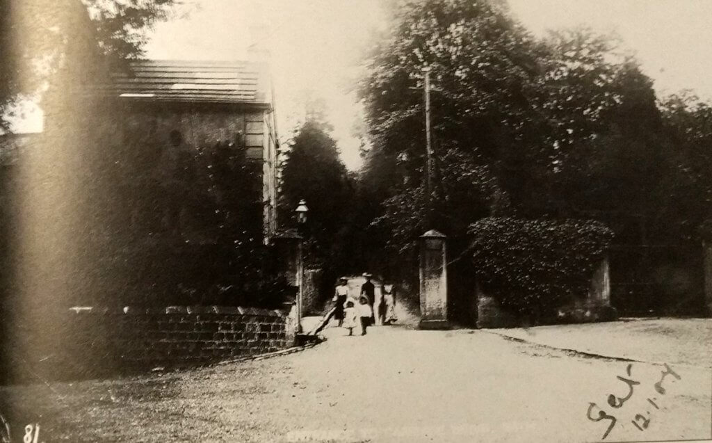 The carriage road, Prior Park about 1905