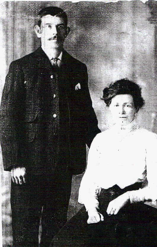 William & Lavinia Wicks (nee Owen), 14 Nov 1907 their wedding day. Lived at Tucking Mill Cottage