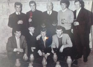The Hadley Chicks, about 1962, played at the Hadley Arms, Combe Down. FR - Paul Tidcome, Bob Dunn, Sam Hughes, Tony Fisher. BR - Tony Duckett, Derek Humphries, Bert Miner, Rod Adams, Mike Jones