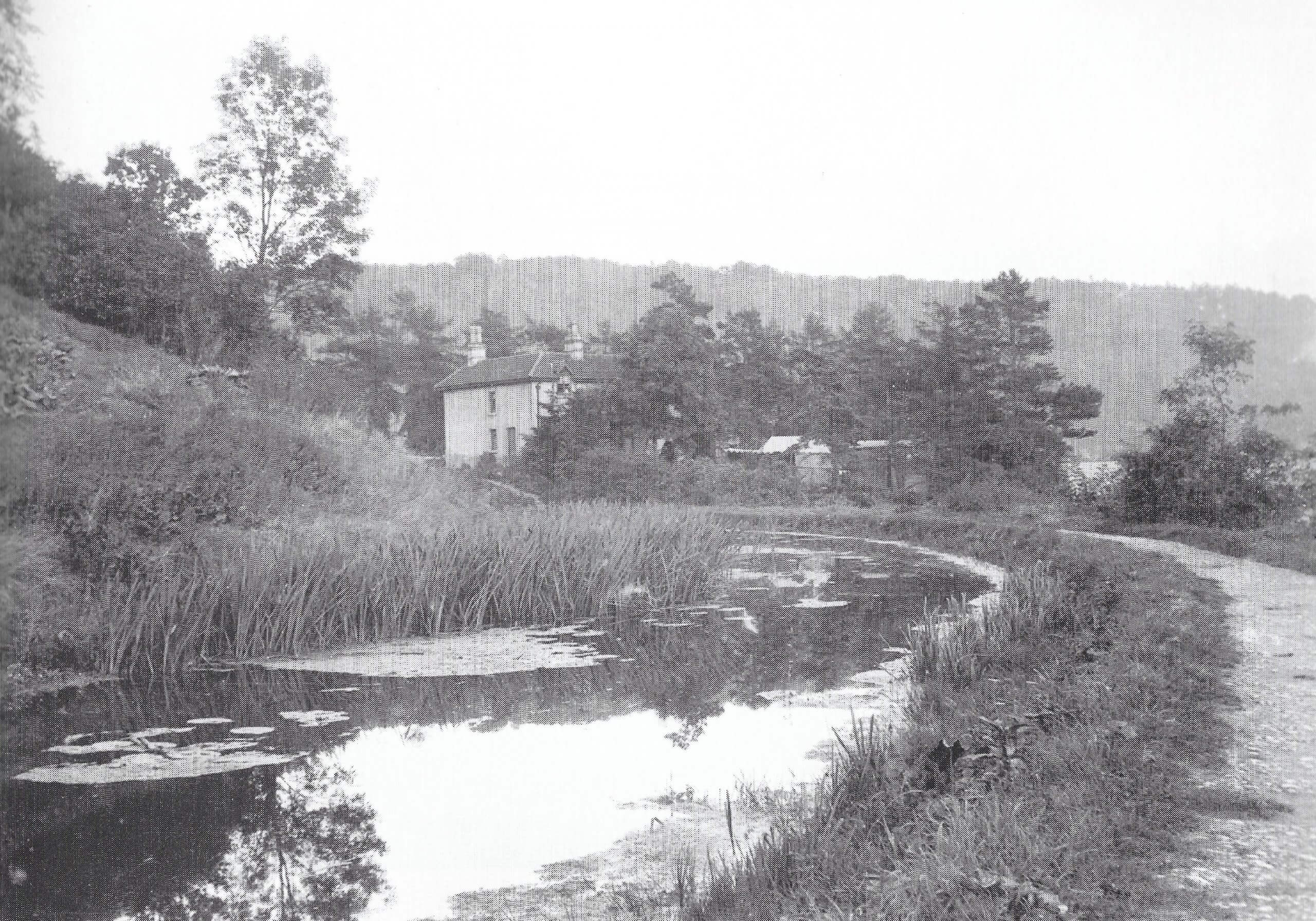 Approaching the canal bridge at Brassknocker Hill about 1904