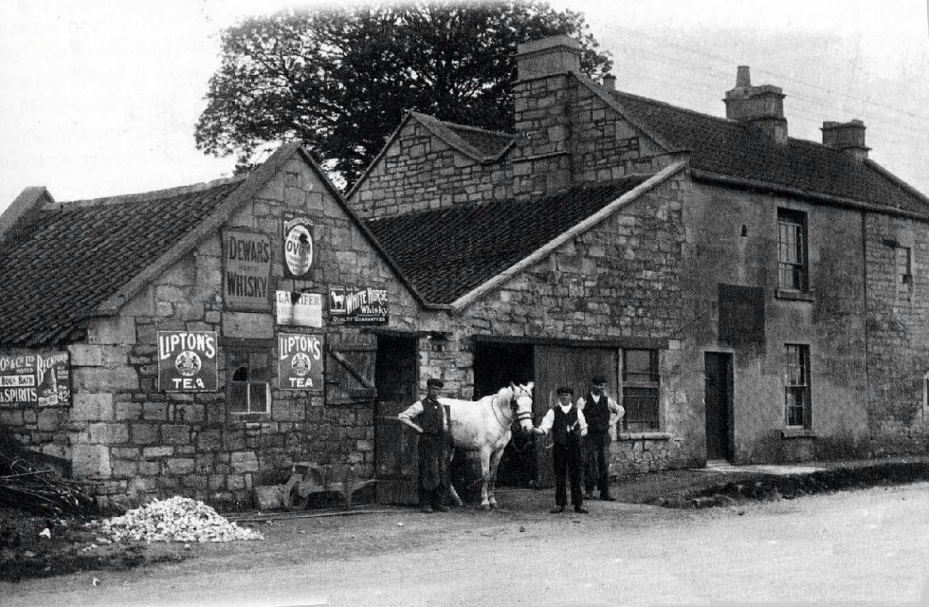 Smithy opposite the Cross Keys 1930s